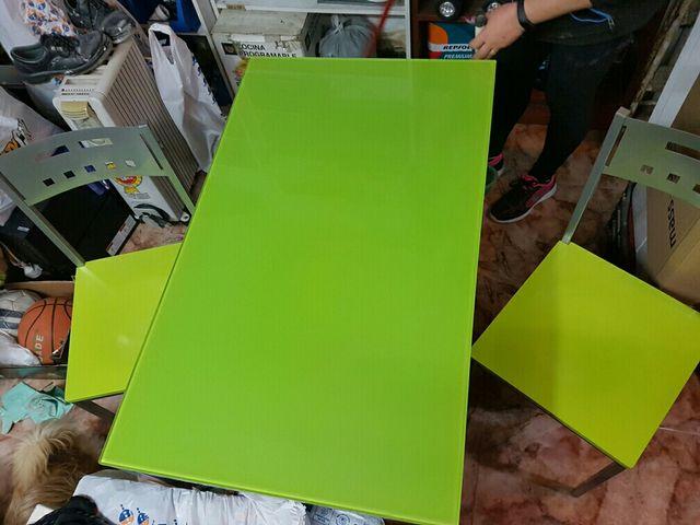 Mesa cocina cristal templado verde de segunda mano por 100 € en ...