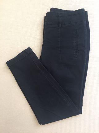 Pantalón azul. Talla 36.