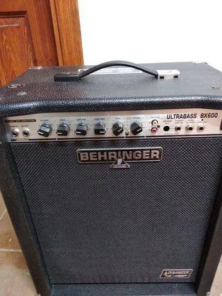 Amplificador BEHRINGER Ultrabass BX600