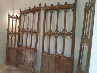 puertas antiguas de capilla