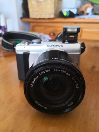 cámara olympus pen E-PL1 con muchos accesorios