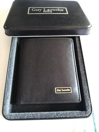 carteras de hombres marca Guy Laroche