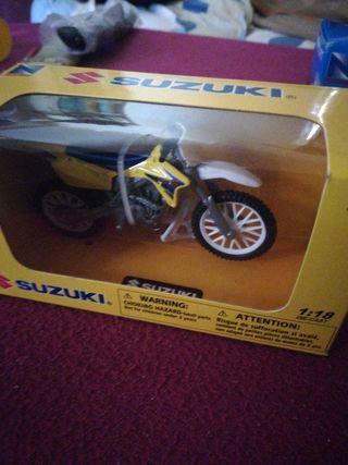 moto Suzuki gsx de croos
