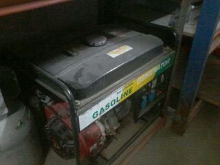 generador de corriente de 220 boltios y 12 boltios