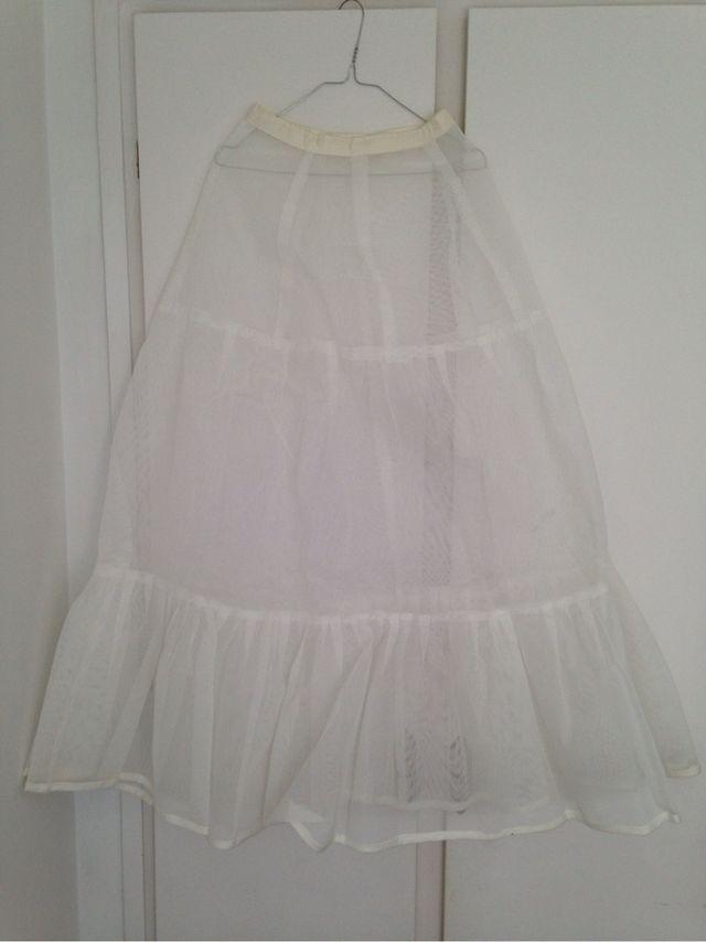 armador para vestido de novia de segunda mano por 20 € en madrid en