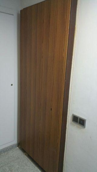 Subministro y colocaccion de puertas anti_okupas