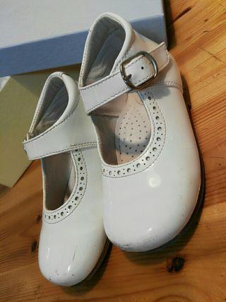 Zapato niña Charol Piel Bl.T.23 Villena Baby