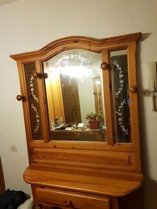 Mueble de recibidor de segunda mano en madrid en wallapop for Muebles de segundamano madrid