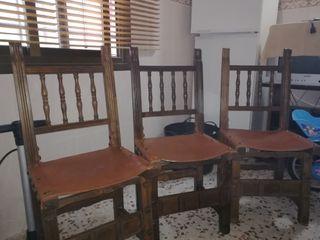 Tres sillas Castellanas