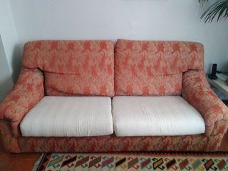 Sofá dos plazas, cómodo, en buen estado (195 cm)