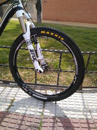 Bicicleta mtb BH Zenith 7.9