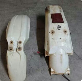 Guardabarros originales Honda XR.