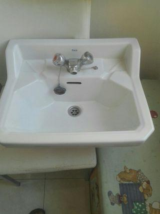 pila de baño antigua