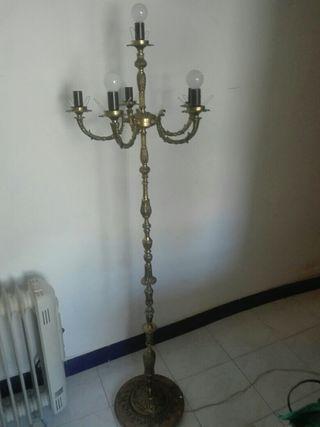 lámpara de bronce grabado de pie 7 brazos año de