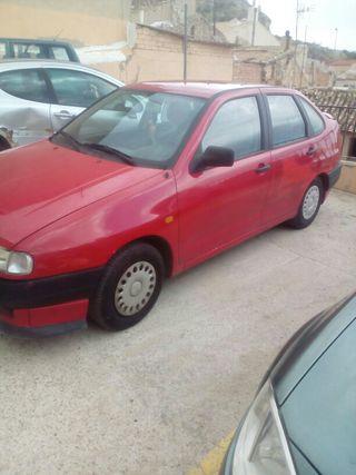 SEAT Cordoba año, 1996 el cambio de nombre a cargo del comprador!! ablar por si interesa no negociable.¡¡¡ocasion última oferta!!! 550€