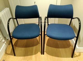 Dos sillas apilables