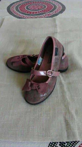 zapatos niña, 28. CONGUITOS
