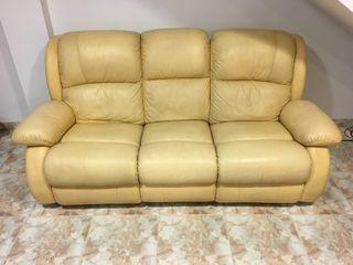 Sofa de piel abatible