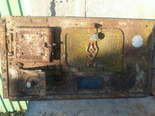puerta horno antigua