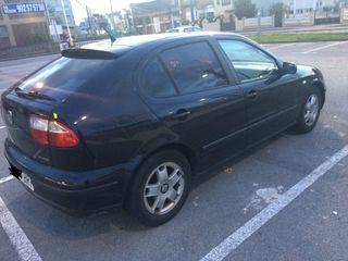 Seat Leon 2002 1.6 105cv Negro
