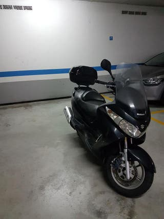 SUZUKI BURGMAN 200 2012 14800 KMS