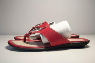 sandalias piel rojas planas