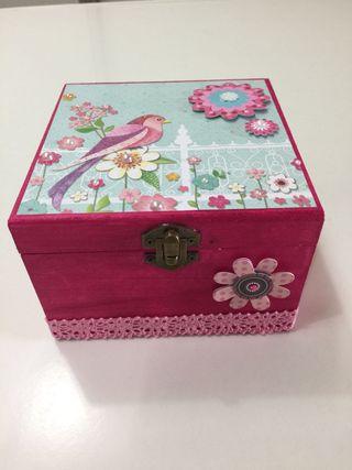 Caja decoración scrapbooking