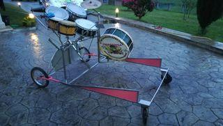 Carrito de percusión móvil