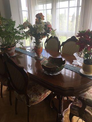 Mesa comedor clásica