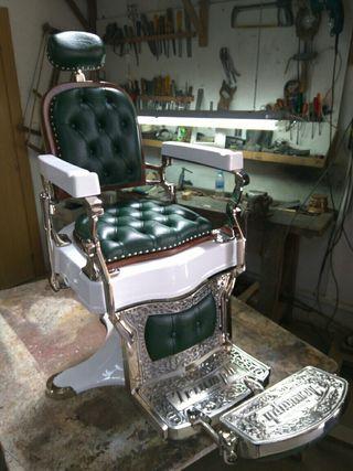Antiguo sillón de barbero Triumph Gran Lujo N°1