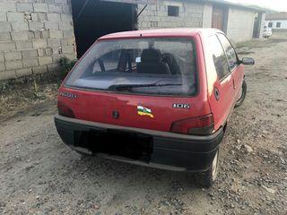 Peugeot 106 con itv recién pasada!