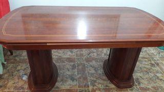 mesa vintage. semi nueva. clásica