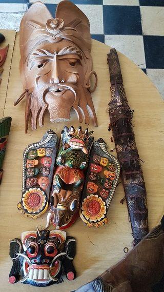 máscaras decoración y objetos varios