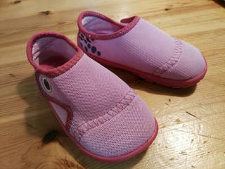 Zapatillas niña para agua T.23