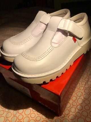 Zapatos kickers 32 EU - NUEVOS