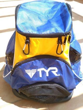 Mochila TYR azul y amarillo