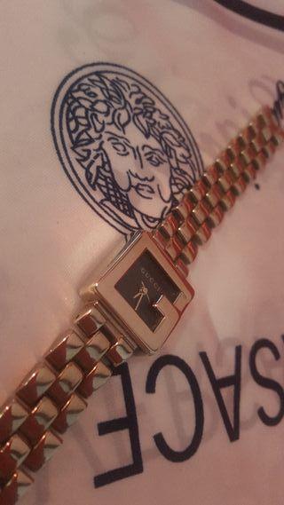 Reloj Gucci de Damas, casi nuevo