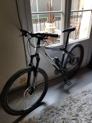 Bicicleta de montaña TREK Series 6