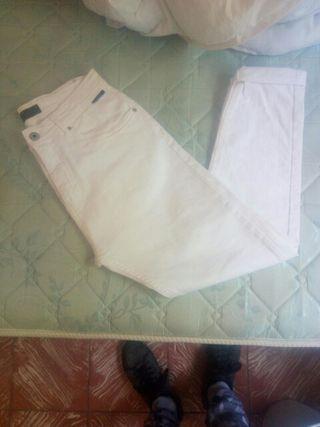 Pantalón Vaquero Blanco Zara Man 15€ Talla 38