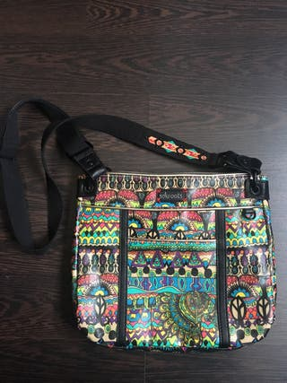 Bolso marca SAKROOTS®