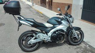 Moto Suzuki gsr