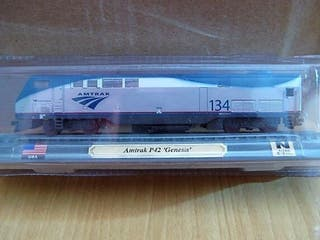Precioso tren locomotora estadounidense Amtrak