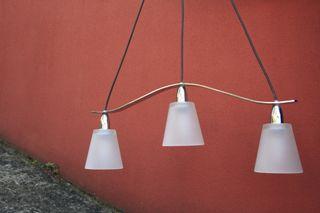 Lámpada de tres focos