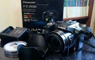 Panasonic FZ 200