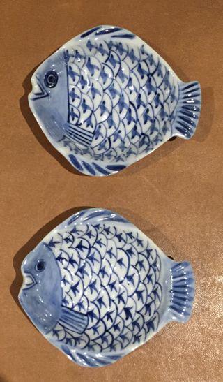 2 vide poche /cendrier porcelaine poisson bleu