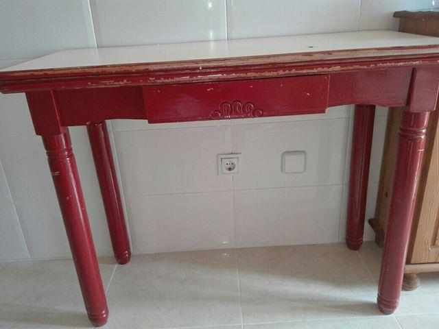 Mesa cocina de madera (extensible) de segunda mano por 70 € en Vila ...