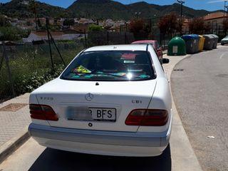 Mercedes-Benz Clase E320 año 2001