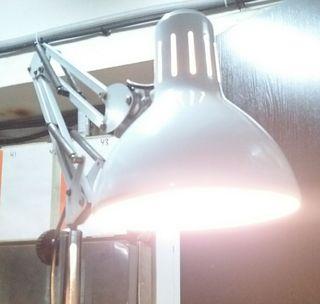 lampara antigua de consulta medica