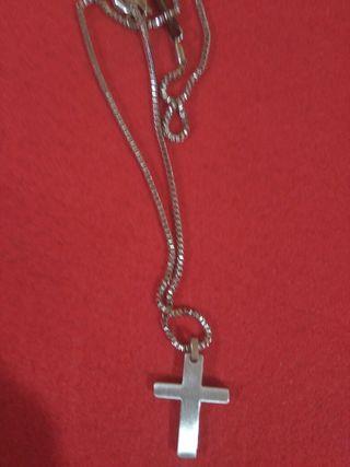collar de acero forma de cruz viceroy