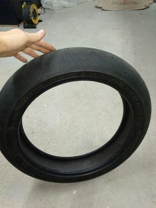 Neumático supermotard